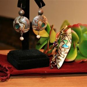 Unique Earring and Pin set
